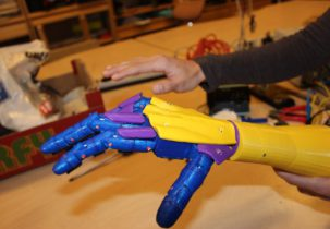 Leap Motion robotic hand